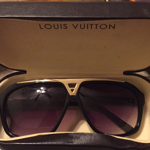 9208898cc70 Louis Vuitton Accessories
